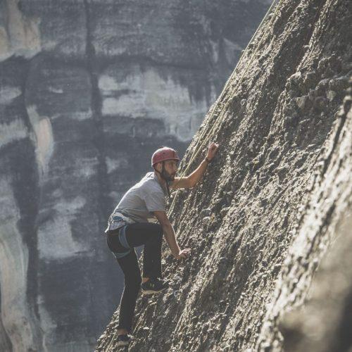 Rock-climbing-meteora-7-1500x956